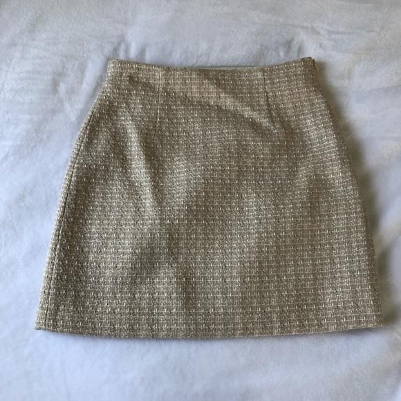 Aritzia Babaton tweed skirt!